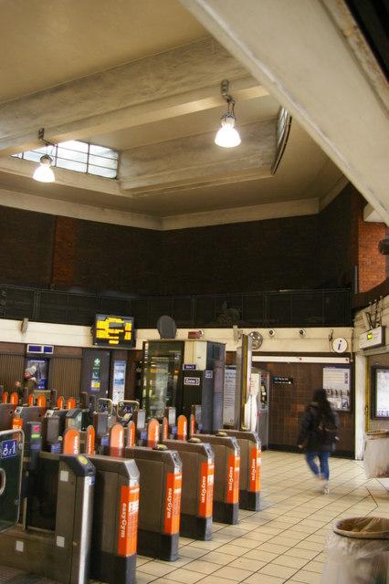 Wood Green underground station: entrance hall