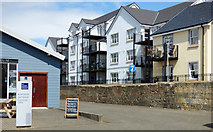 NS3138 : Harbourside flats by Thomas Nugent