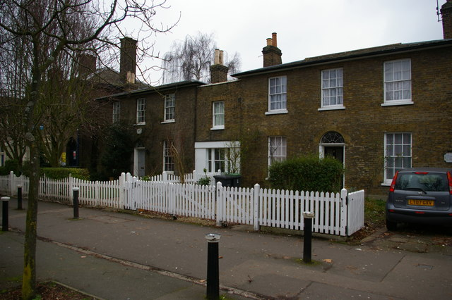 Wood Green: cottages on Bounds Green Road