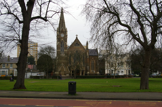 Wood Green: St Mary's Church, across Trinity Gardens