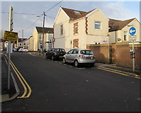 ST1586 : One-way Clive Street, Caerphilly by Jaggery