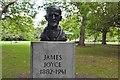 O1533 : Bust of James Joyce, St Stephen's Green by N Chadwick