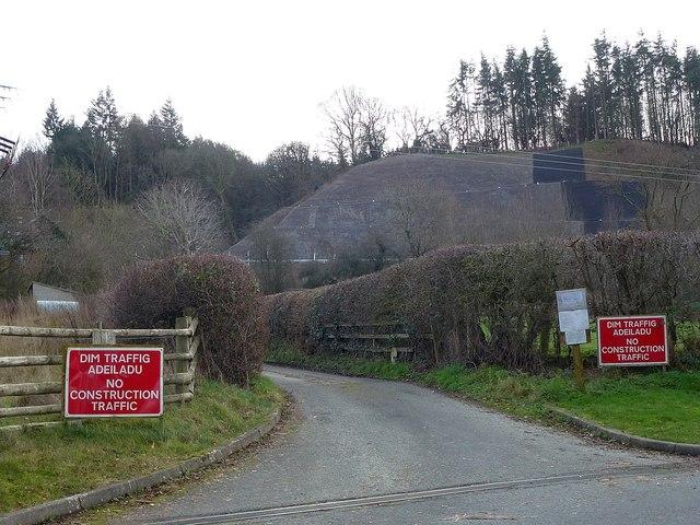 A steep cutting below Castell-y-dail Wood