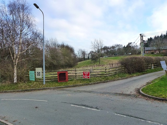 Entrance to Castell-y-dail