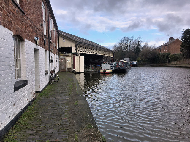 Shropshire Union (Chester) Canal, Tower Wharf and Taylor's Boatyard