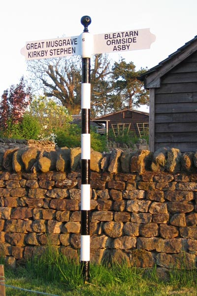 Old Direction Sign - Signpost by Swillings Lane, Little Musgrave