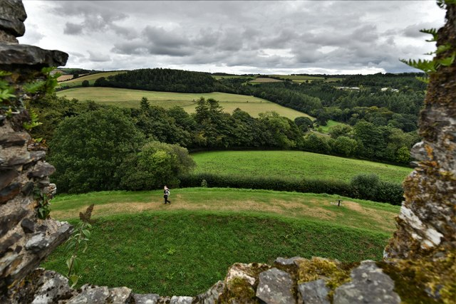 Restormel Castle: The view from the Wall-walk next to the chapel