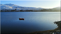 NH3363 : Red boat on Loch Luichart by Julian Paren