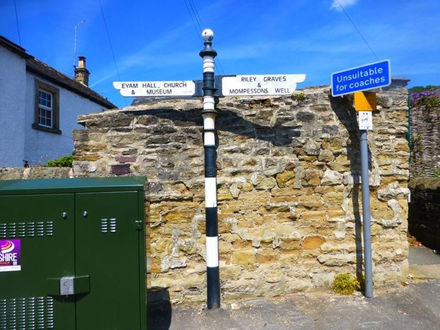 Old Direction Sign - Signpost by The Causeway, Town End, Eyam parish