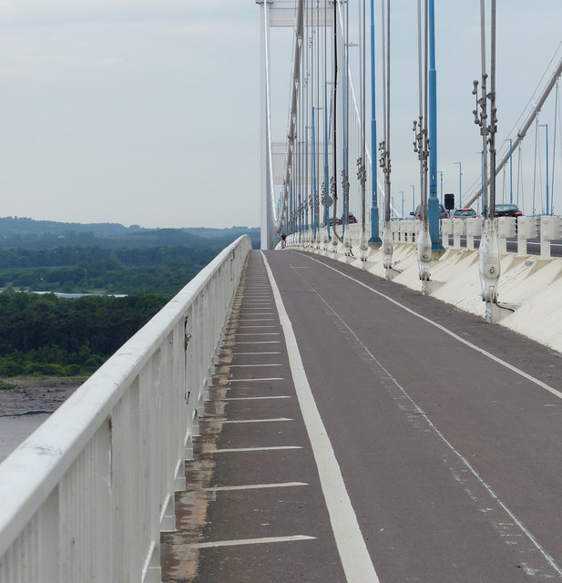 Cycleway and footpath on the Severn Bridge