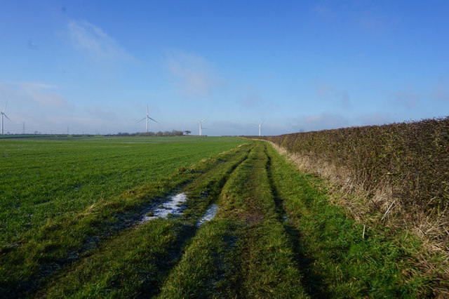 High Hunsley Circuit towards Hessleskew Lane