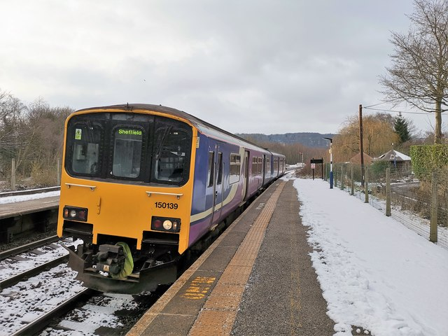 Northern Class 150 arrives at Grindleford