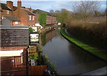 SO8171 : View from Footbridge over canal, Stourport, looking North East by Phil
