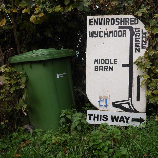 Signpost, Green Lane