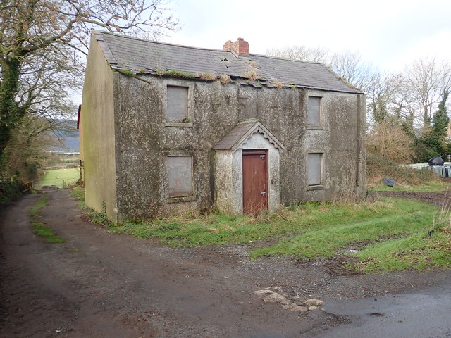 Derelict farmhouse on the Newtown Road