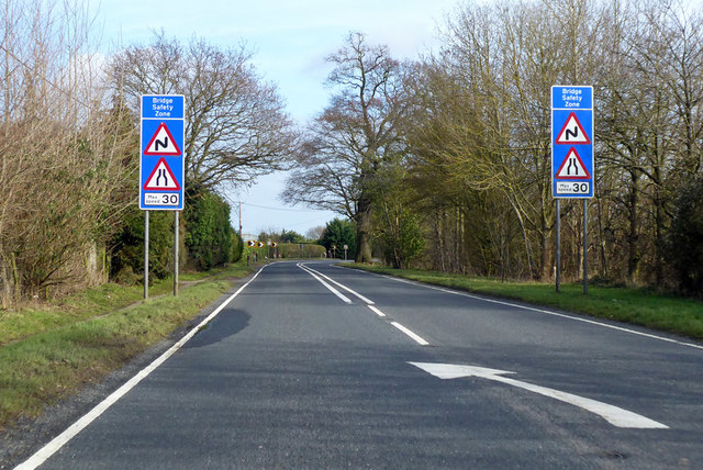 Bridge safety zone on A137 Harwich Road