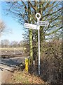 SJ5418 : Old Direction Sign - Signpost by Milestone Society
