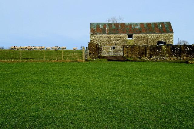 Stone walled barn, Carony