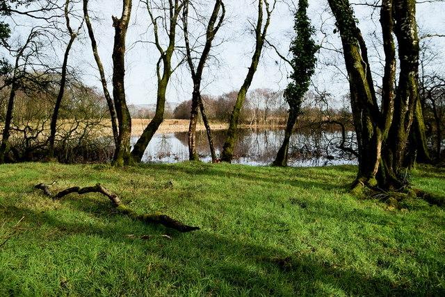 Narrow strip of ground dividing Claraghmore Lough from Claragh Beg Lough