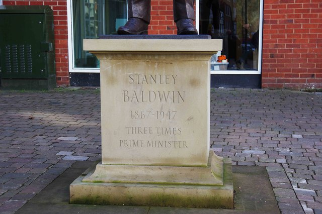 Statue of Stanley Baldwin (2) - inscription, Load Street, Bewdley, Worcs