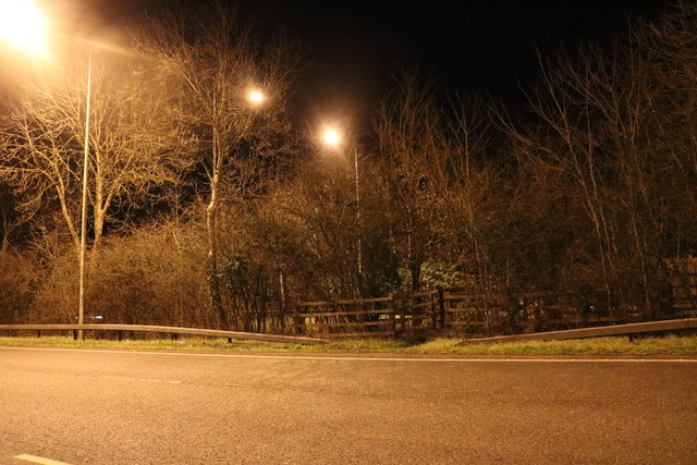 Central reservation on the A41, Wendlebury