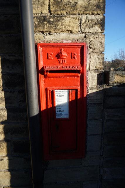 Edward VII postbox on Ingwell Terrace, Cleckheaton