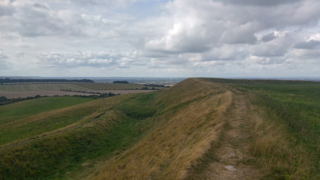 Ramparts on south / west side of Uffington Castle hill fort