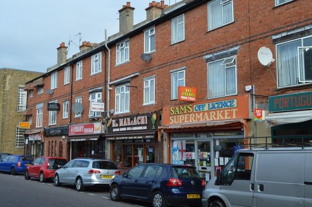 Parade of shops, Avebury Avenue