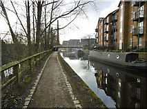SJ9398 : Ashton-under-Lyne, canal by Mike Faherty
