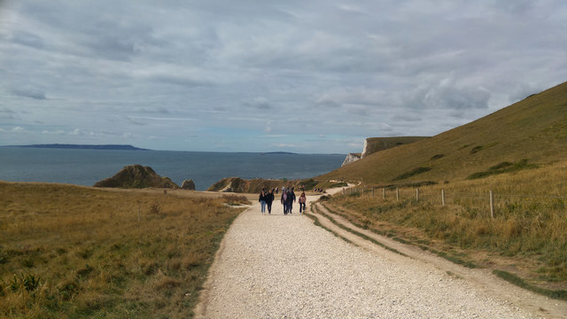 Path from the car park towards Durdle Door