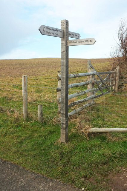 Path signpost near Padstow lifeboat station
