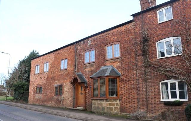 Cottages on Oxford Road, Adderbury