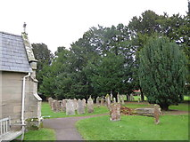 SP2760 : St Peter, Barford: churchyard (c) by Basher Eyre