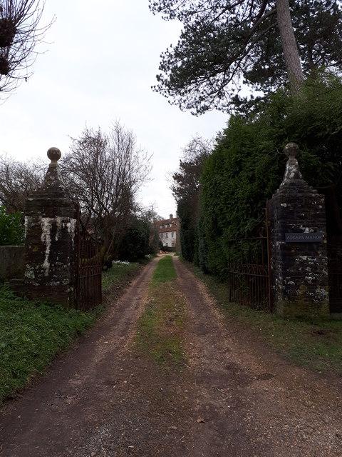 Gatepiers at entrance to Algars Manor, Frampton End Road