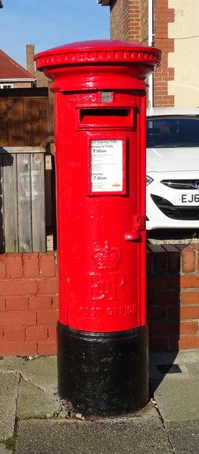 Elizabeth II postbox on Coniston Avenue, Redcar