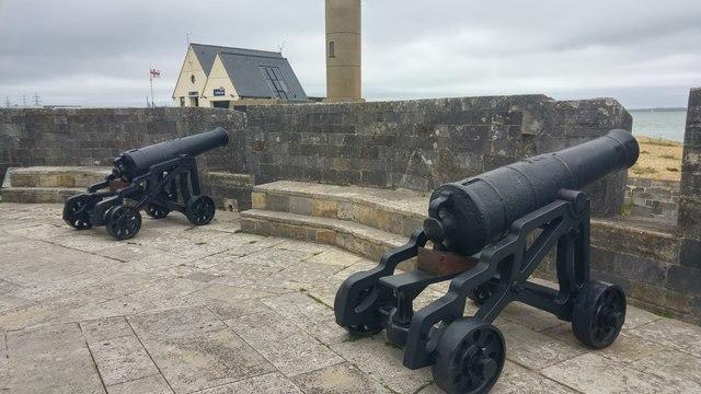 24 pounder guns at Calshot Castle
