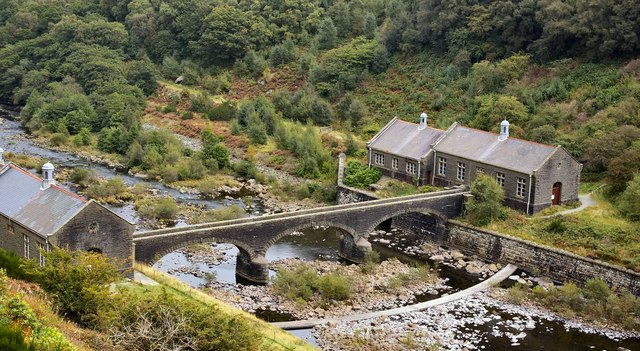 How To Change A Water Pump >> Pump Houses, Elan Valley © Ann :: Geograph Britain and Ireland