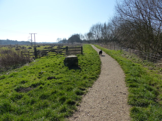 Path beside Titchfield Canal