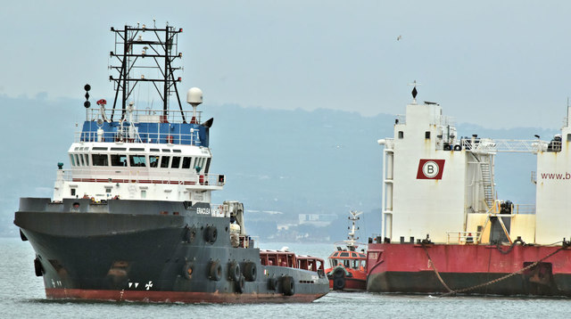 "The ""Eraclea"" and ""Boabarge 35"", Belfast harbour - March 2019(1)"