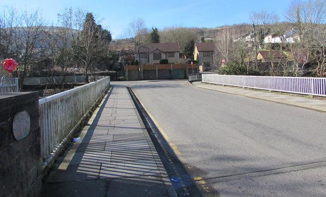 Across Pont Rhun, Troedyrhiw by Jaggery