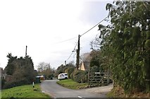 SP3355 : Chesterton Road, Lighthorne by David Howard