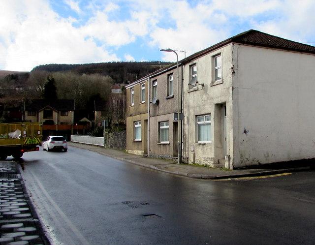 Row of three houses, Bridge Street, Troedyrhiw