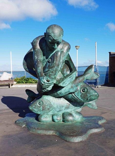 """Embracing the Sea"" sculpture, Deal, Kent"