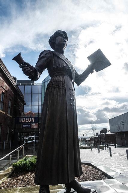 Annie Kenney statue, Oldham