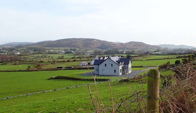 New houses facing the AghadavoyleRoad
