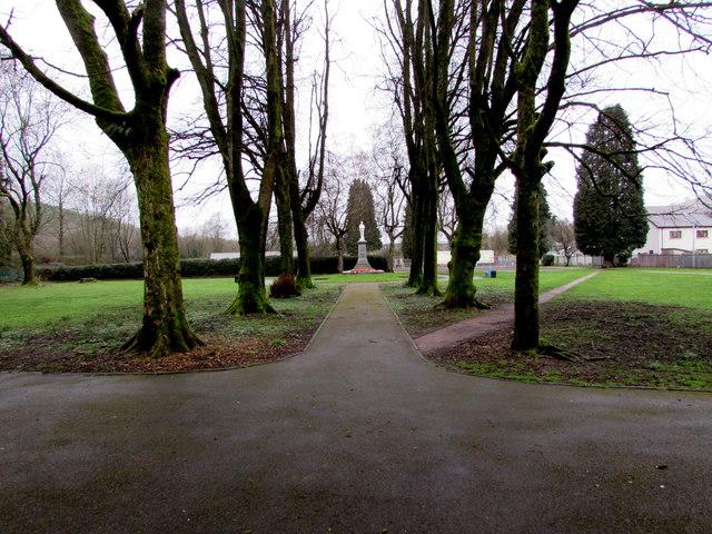 Path through a small park in Troedyrhiw by Jaggery