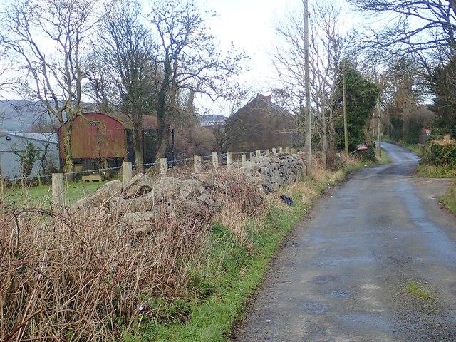 Ruined homestead on Newtown Road
