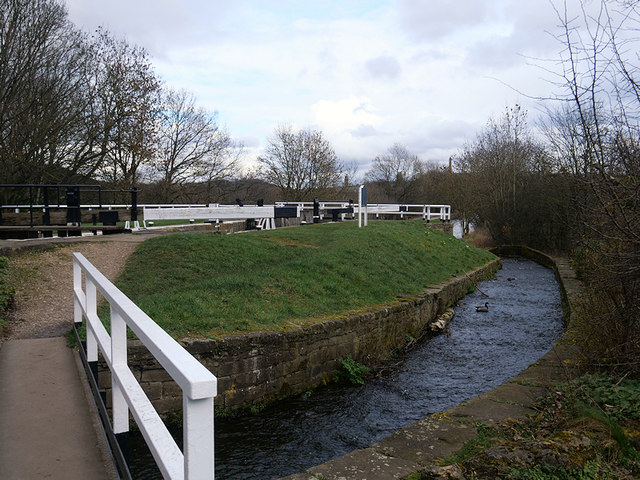 Leeds and Liverpool Canal, Overflow Channel at Hirst Lock