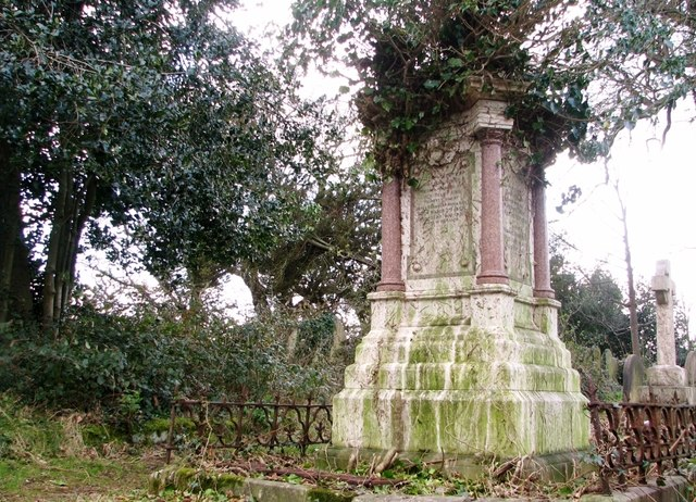 Monument on the King Family burial plot
