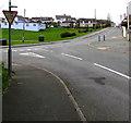 SM8906 : Ildiwch/Give Way sign, Silverstream, Hubberston by Jaggery